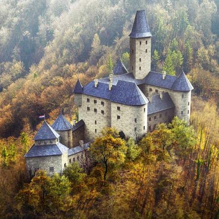 Revue de presse 📰 Sept châteaux médiévaux en ruines reconstruits virtuellement